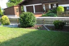 gartengestaltung-vorgarten-blick-zaun-rechts