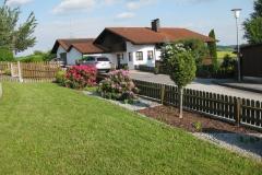 gartengestaltung-vorgarten-blick-zaun